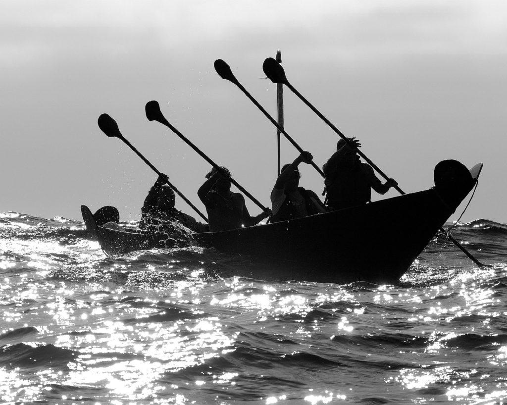 Hawaiian paddlers