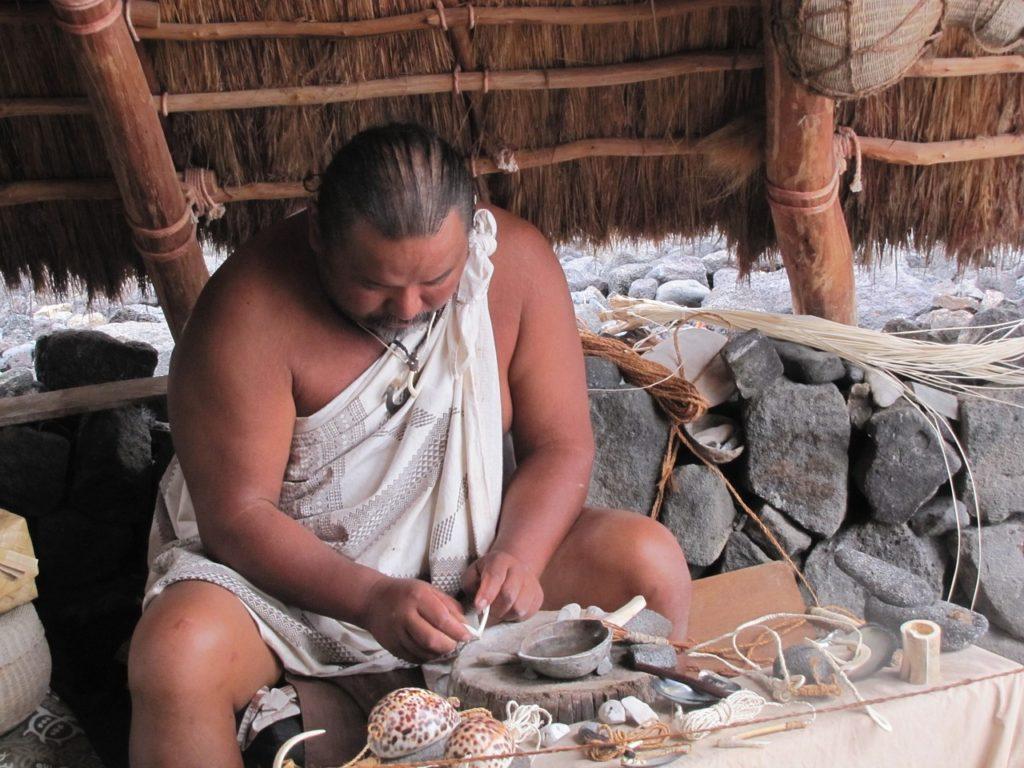 Hawaiian man with shells