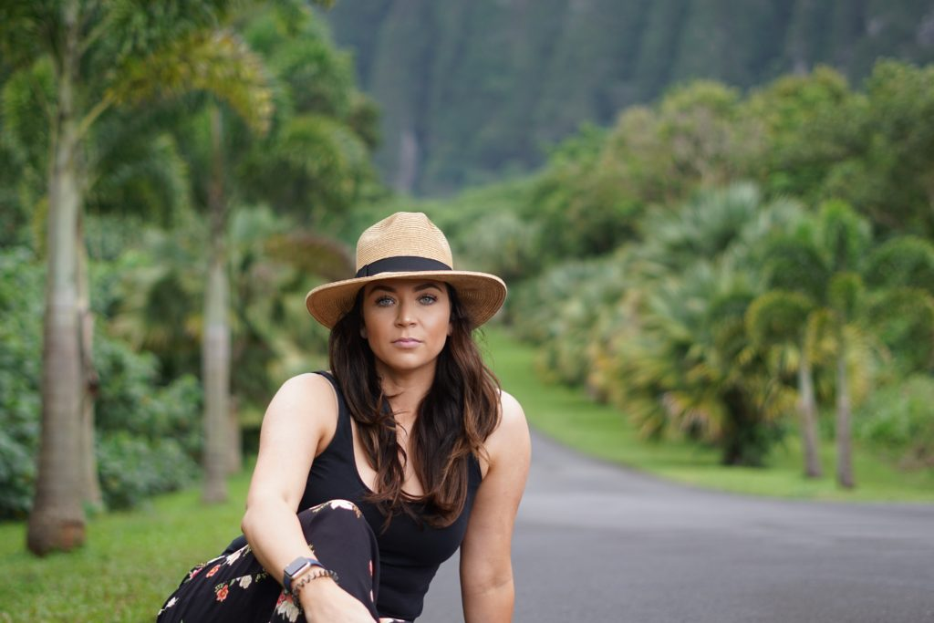 Hawaiian woman in hat
