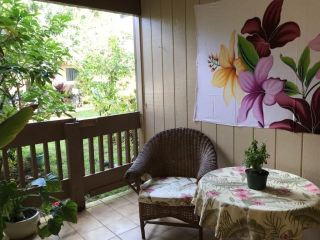 Tropical gardens & Lanai