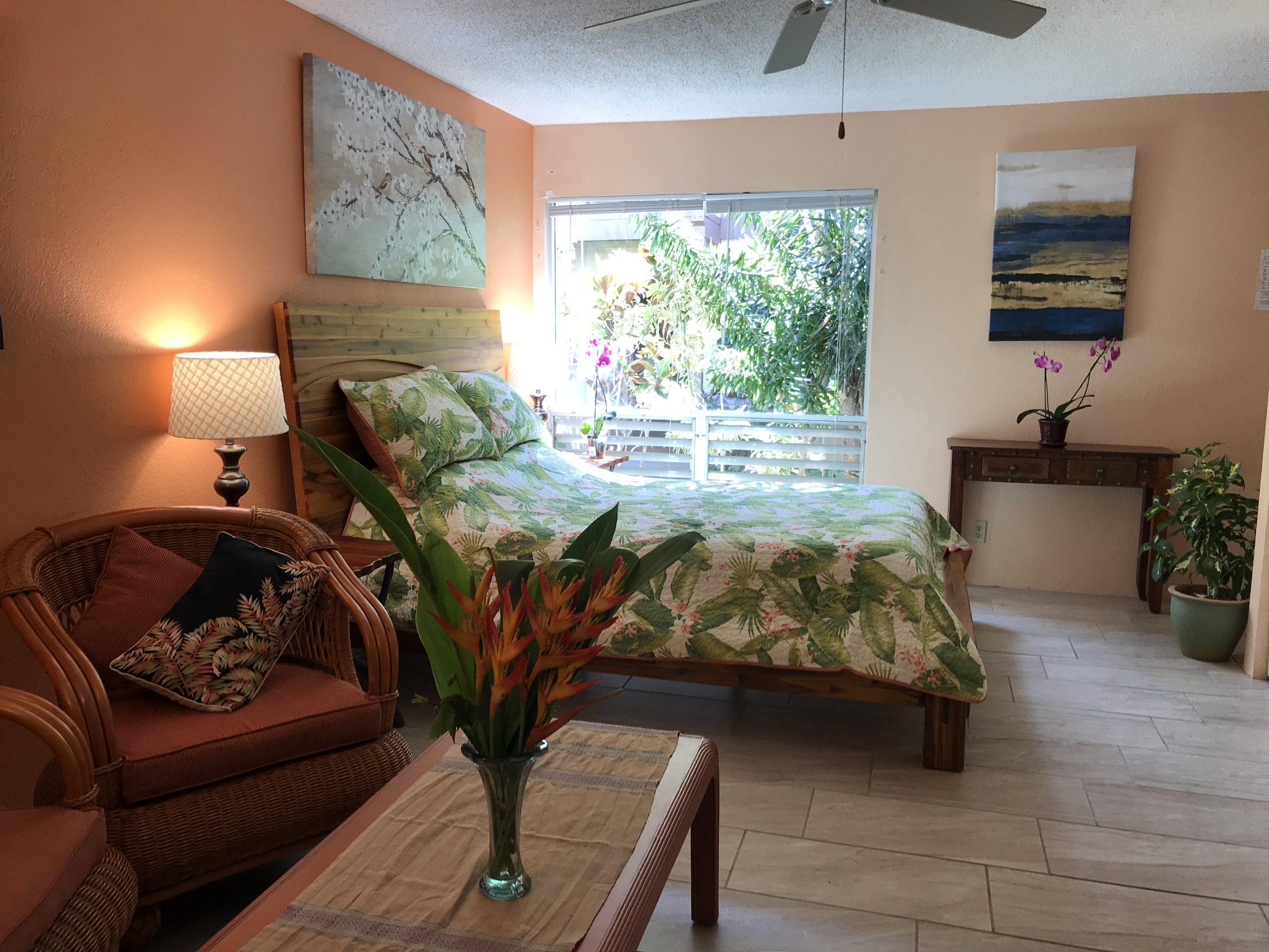 Queen Bed Interior
